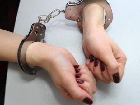 В Ивангороде задержали женщину перевозившую наркотики. Гражданка спрятала гашиш в туалете