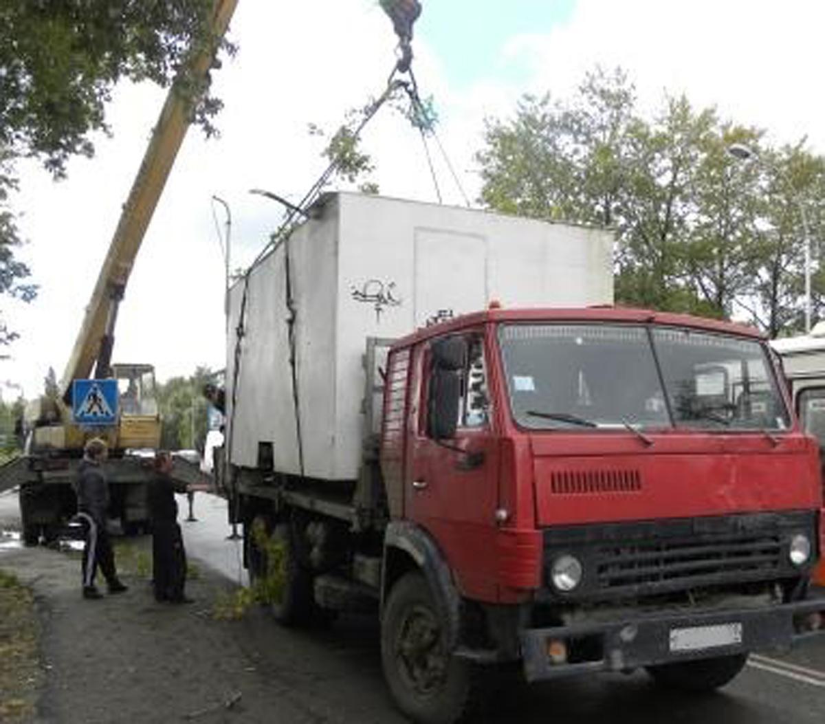 В Кировском районе Перми продолжают сносить незаконные постройки