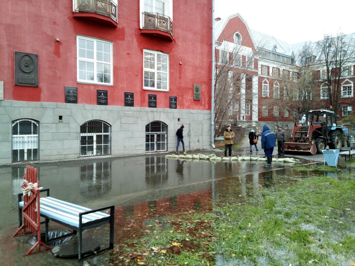 «Новогор-Прикамье»: В ПГНИУ организован подвоз воды